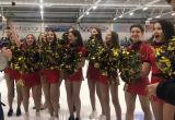 Девушки чирлидерши и болельщики вдохновили хоккеистов «Каинска» на хорошую игру