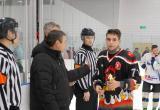 Глава города вручил памятные подарки лучшим игрокам на заключительном дне первенства по хоккею